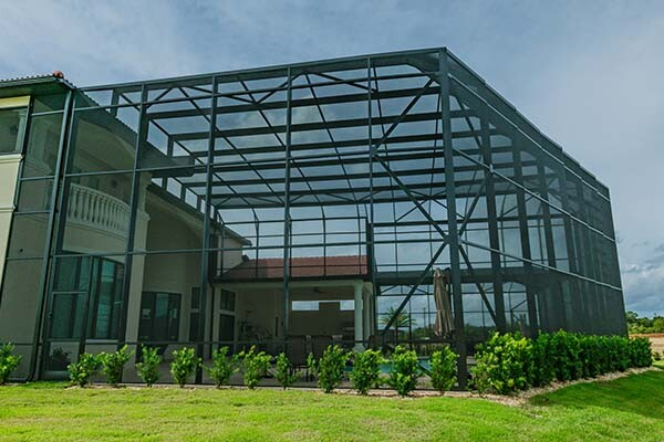 Davenport Pool Enclosures - Pool Screens | US Aluminum